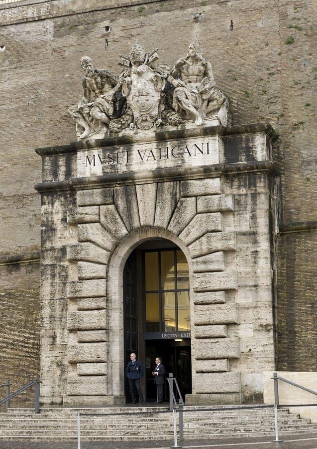 Sortez des musées de Vatican image stock