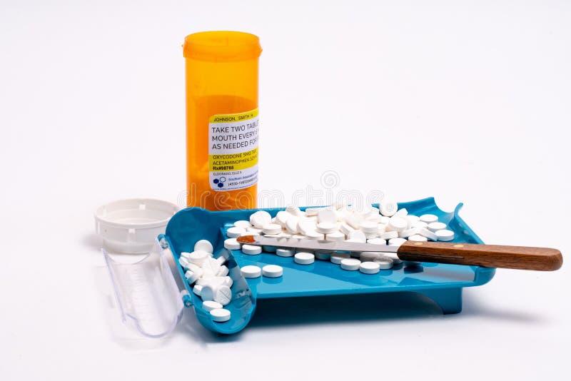 Sortierende, Zählungs-und Füllenpille des rezeptpflichtigen Medikaments Auftrag lizenzfreies stockbild
