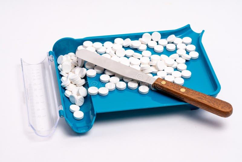 Sortierende, Zählungs-und Füllenpille des rezeptpflichtigen Medikaments Auftrag lizenzfreie stockbilder
