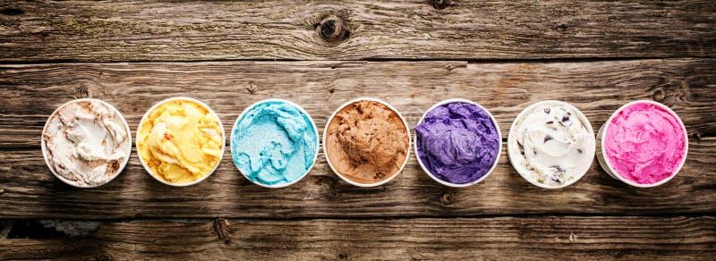 Sortierte Aromen der feinschmeckerischen italienischen Eiscreme lizenzfreies stockbild