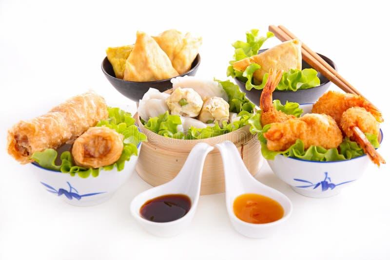 Sortiertes asiatisches Lebensmittel lizenzfreie stockbilder