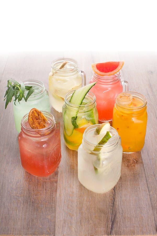 Sortiment av att kyla drinkar royaltyfri fotografi