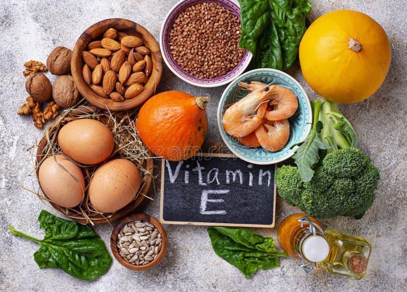Sortimentmatkällor av vitamin E royaltyfri fotografi