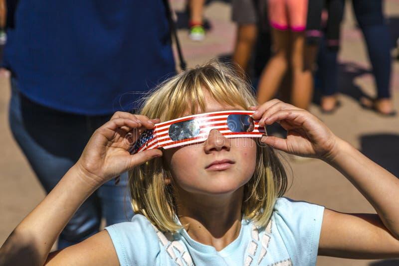Sorveglianza dell'eclissi totale del Sun fotografia stock libera da diritti