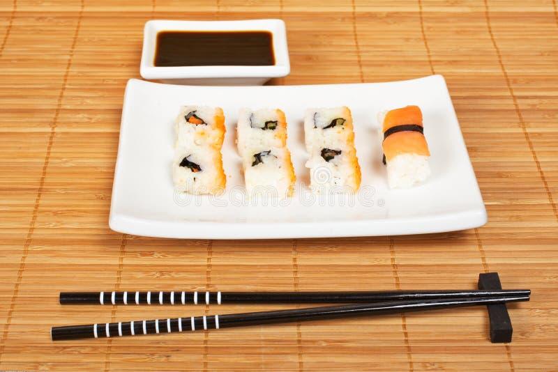 sos sojowe sushi zdjęcie stock