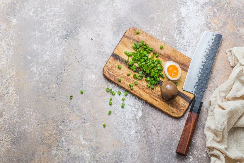 Sos sojowy, marynowane jajo z zieloną cebulą, przestrzeń na kopie zdjęcie royalty free