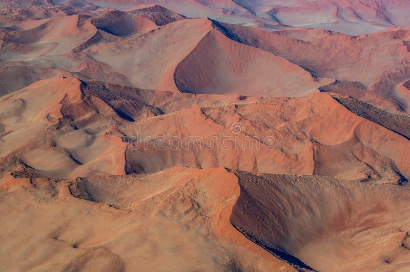 Sossusvlei鸟瞰图沙丘  Namib-Naukluft国家公园 闹事 免版税库存照片