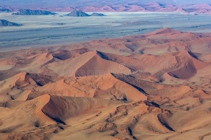 Sossusvlei鸟瞰图沙丘  Namib-Naukluft国家公园 闹事 库存照片