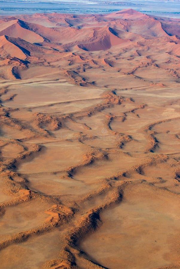 Sossusvlei鸟瞰图沙丘  Namib-Naukluft国家公园 闹事 免版税库存图片