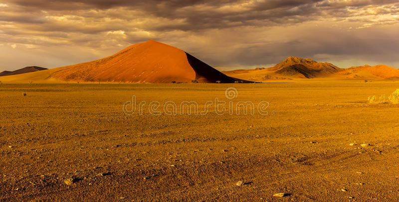 Sossusvlie piaska diuny, Namib pustynia fotografia royalty free