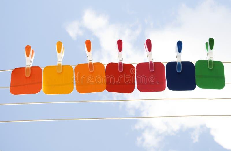 Sostegno del campione di colore solido al cielo immagine stock