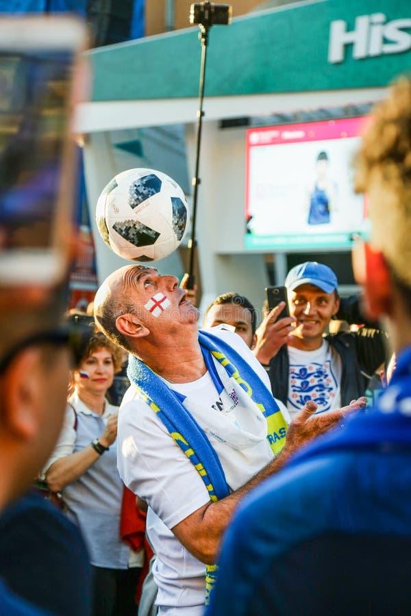 Sostenitore dell'uomo anziano della squadra di football americano del cittadino dell'Inghilterra immagini stock libere da diritti