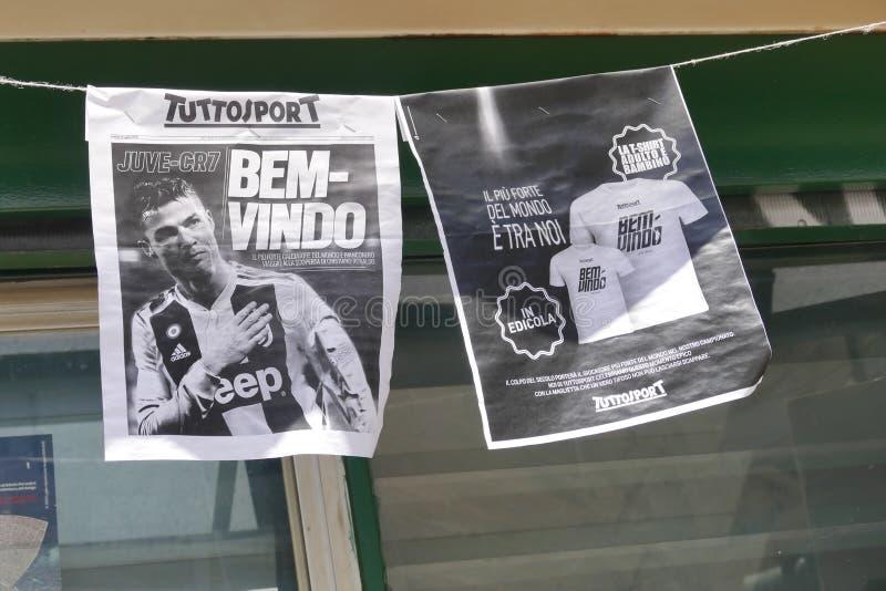 Sostenitori di Juventus FC che ammattisce per il nuovo giocatore di Cristiano Ronaldo per la stagione prossima fotografia stock libera da diritti