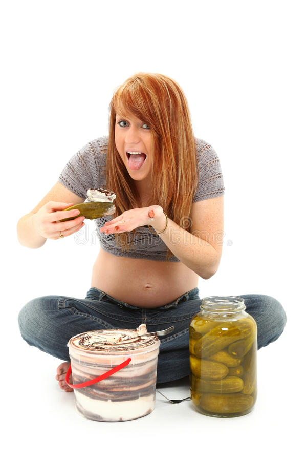 Sottaceti di gravidanza e gelato fotografie stock libere da diritti