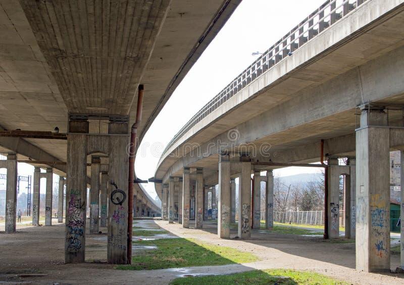 Sotto il ponte, Jelenia Gora, Polonia fotografie stock