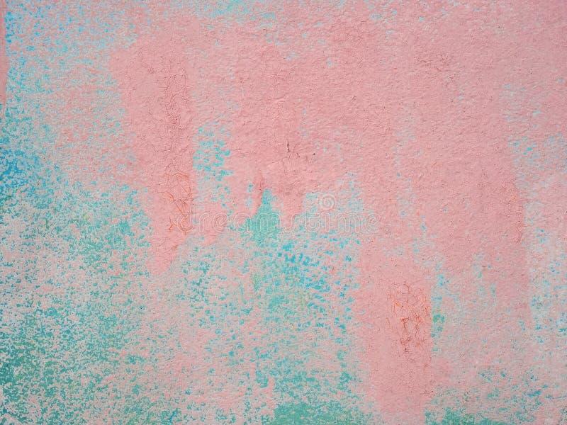 Sottragga la struttura colorata dipinta di colore di acqua con le fessure e le crepe Pittura incrinata su una superficie di metal fotografia stock