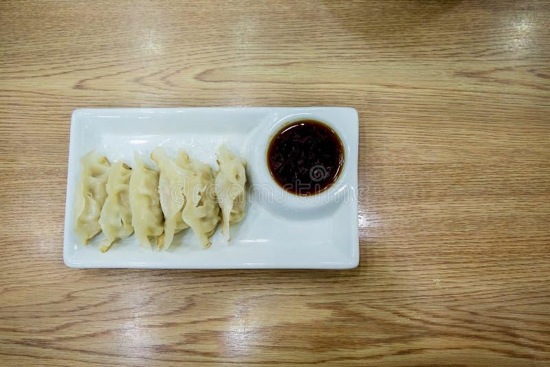 Souce d'oand de Gyoza Boulettes japonaises Nourriture japonaise, photo stock
