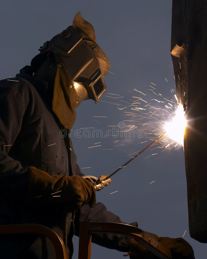 Download Soudeuse image stock. Image du soudeuse, métal, industrie - 729173