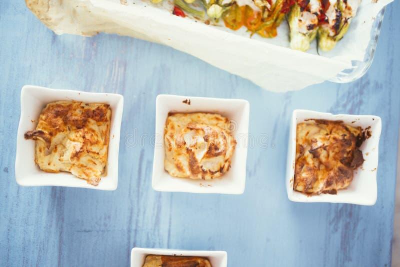 Soufflè mini di formaggio e del prosciutto fotografia stock libera da diritti