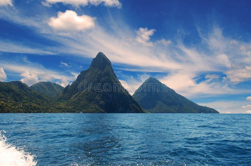 Soufriere-Bucht - kleiner Kletterhakenbereich - Karibikinsel - St. Lucia lizenzfreie stockbilder