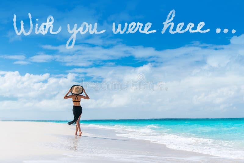 Souhait vous étiez ici message de nuage des vacances de plage photographie stock