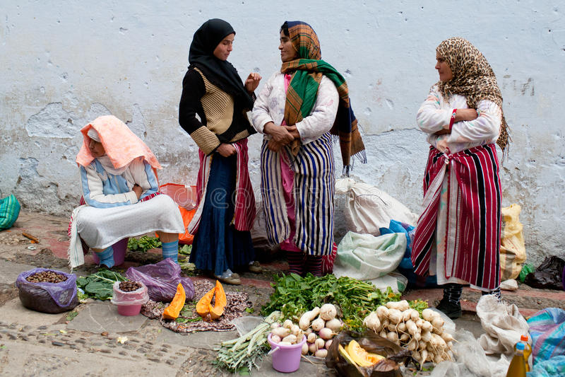 Souk em Chefchaouen, Marrocos imagens de stock royalty free