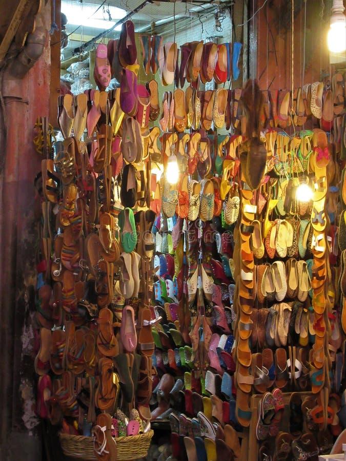 Souk lager i en Marrakesh gata royaltyfri foto