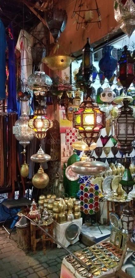 Souks vibrante de Medina Marrakesh foto de archivo