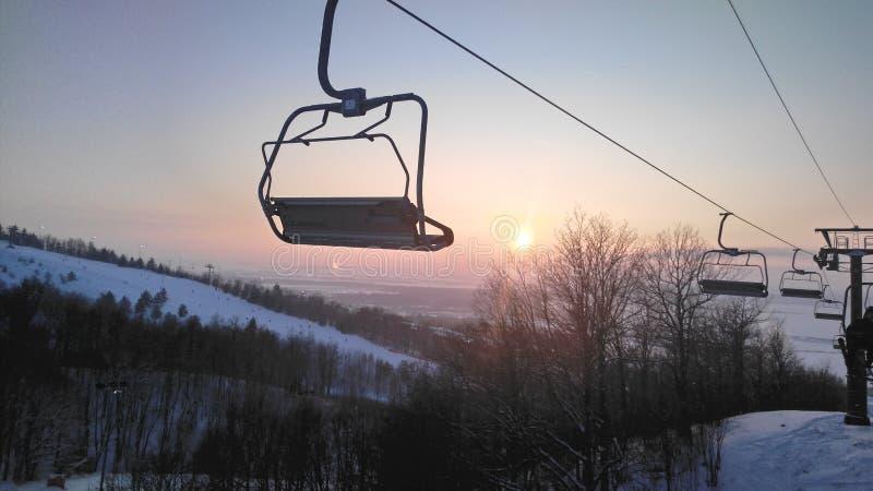 Soulevez pour faire du surf des neiges photographie stock libre de droits