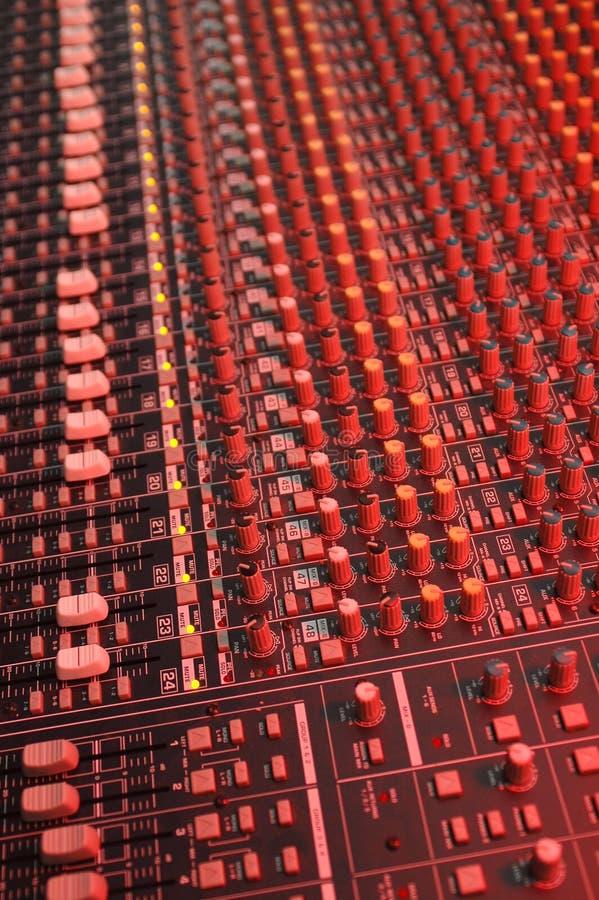 Soundboard in rood royalty-vrije stock fotografie