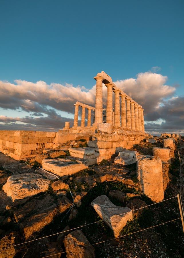 Sounion, świątynia Poseidon w Grecja, zmierzch Złota godzina obrazy stock