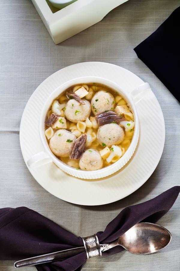 soup för märg för benbunkeklimpar gourmet- royaltyfri fotografi