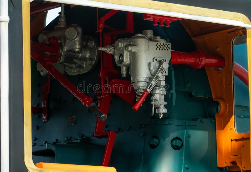 Soupape de commande de plan rapproché de locomotive à vapeur Les valves directionnelles permettent à la vapeur de traverser le sy image libre de droits