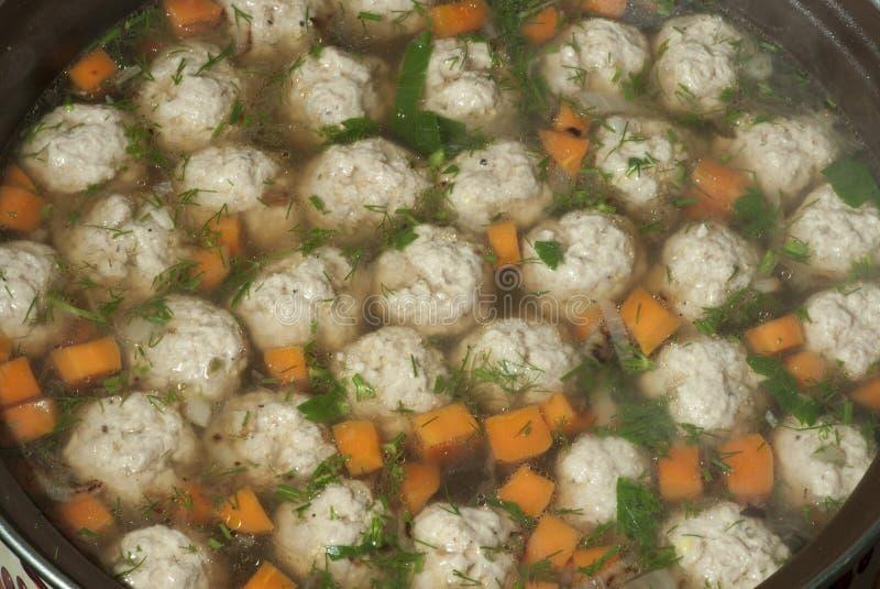 Soupe à boulette de viande photographie stock libre de droits