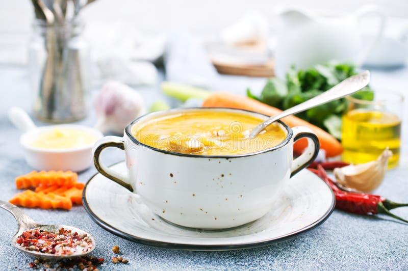 Soupe à carotte photographie stock