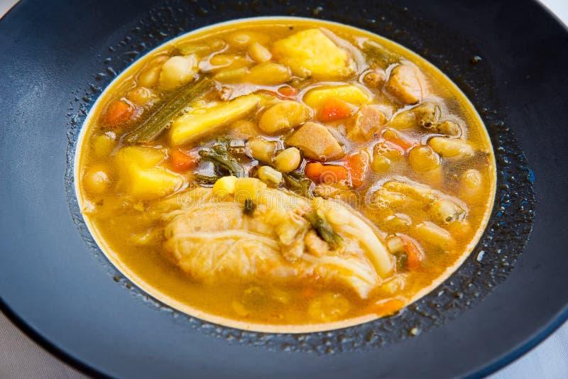 Soupe à chorizo, cuisine espagnole photos stock