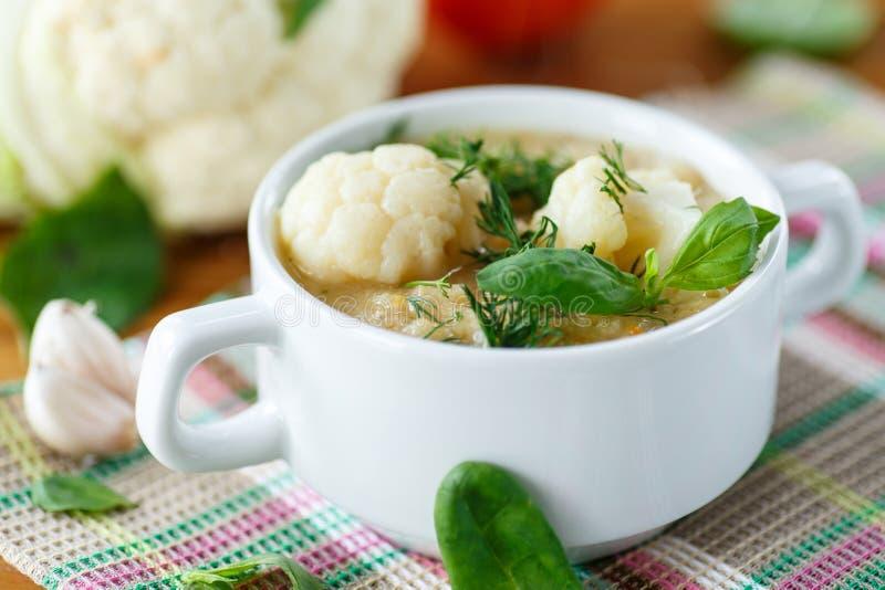Soupe à chou-fleur photos stock