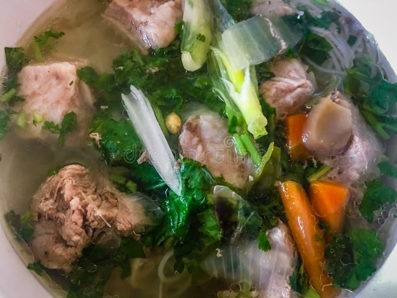 Soupe à nervure de cloque avec des vermicellis, plat vietnamien photo stock