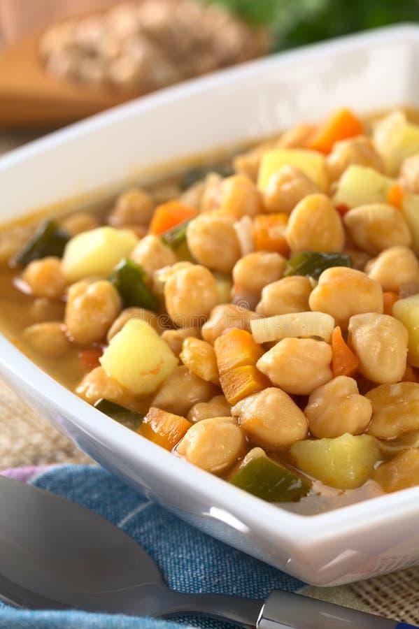 Download Soupe à pois chiche photo stock. Image du déjeuner, vertical - 45354604