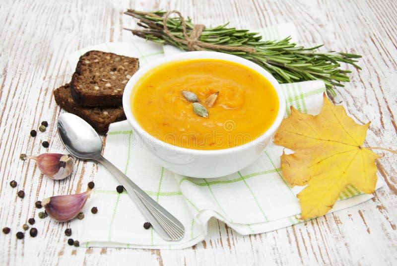 Download Soupe à potiron photo stock. Image du automne, herbe - 45371332
