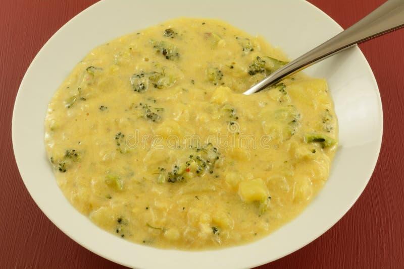 Soupe à ragout de brocoli et de pomme de terre image stock