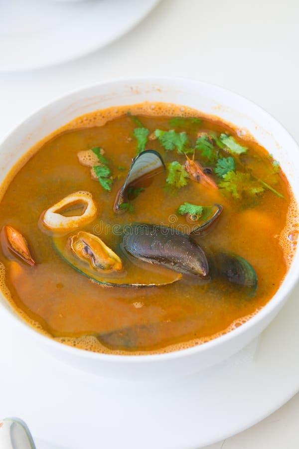 Soupe à Tom de fruits de mer yum photos libres de droits