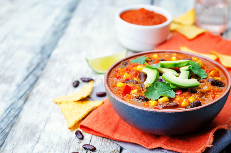 Soupe à tortilla de haricot rouge de Chipotle photographie stock