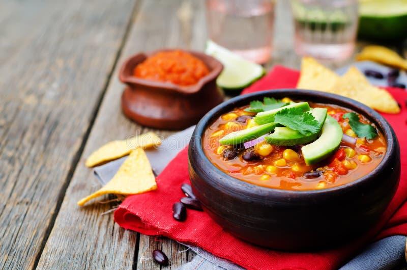 Soupe à tortilla de haricot rouge de Chipotle photo libre de droits
