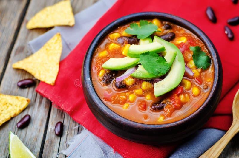 Soupe à tortilla de haricot rouge de Chipotle image stock