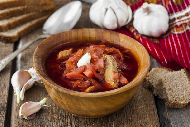 Soupe avec les betteraves rouges Borsch traditionnel russe photo libre de droits
