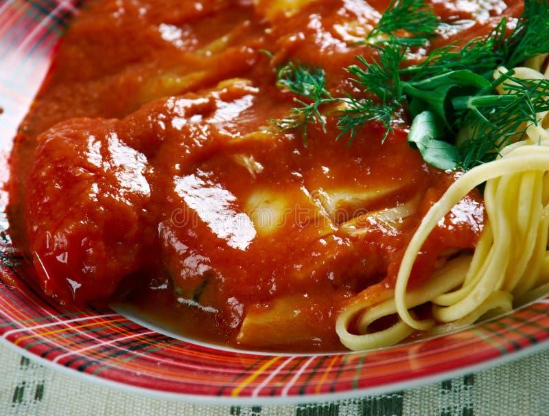 Soupe basée sur paprika à poissons de rivière de Halaszle image stock