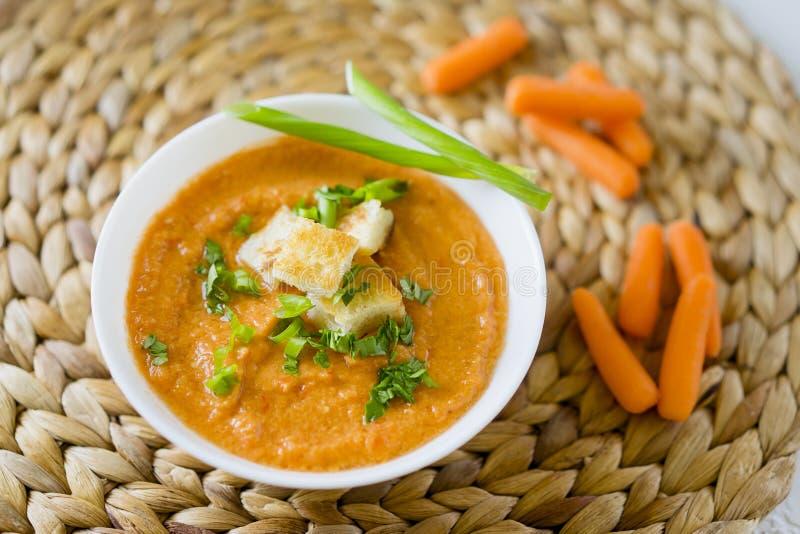 Soupe crème à carotte image stock