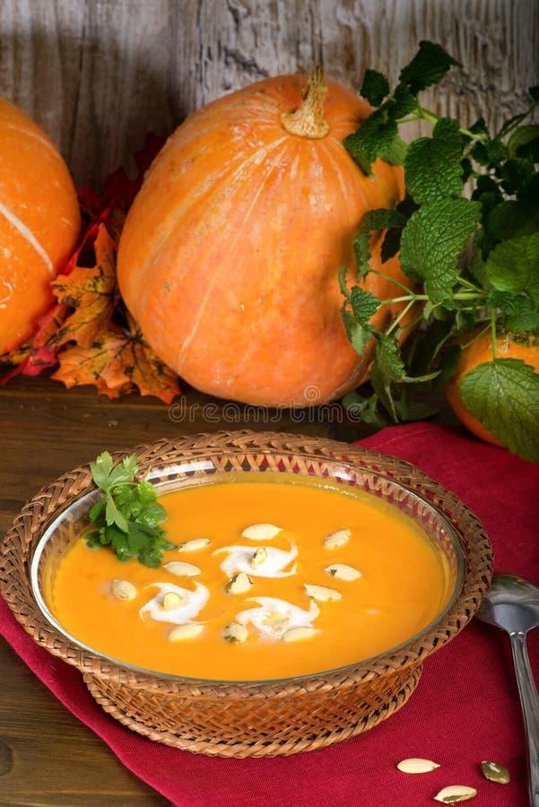 Soupe crème à potiron Courge de fruits frais image stock