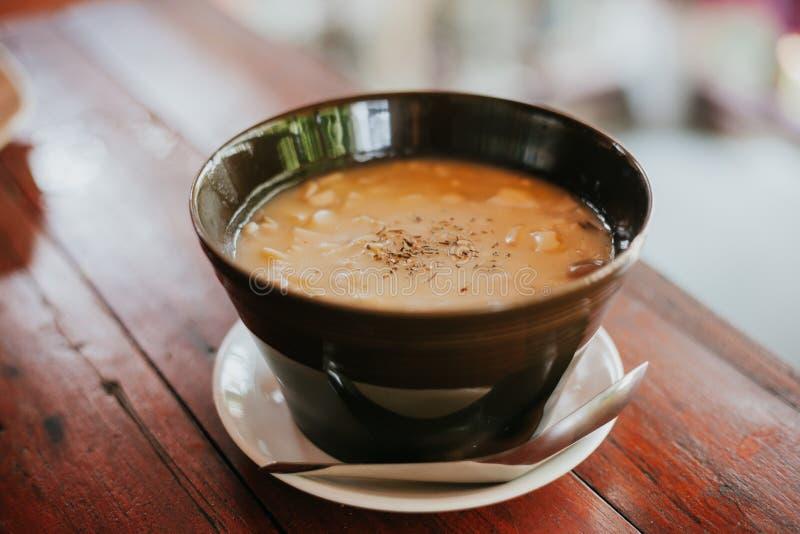 Soupe crème thaïlandaise savoureuse images stock